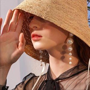 Zara Pearl Earrings.